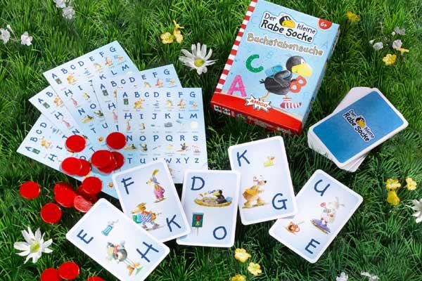 Kinderspiel Der kleine Rabe Socke: Buchstabensuche - Foto von Amigo Spiele