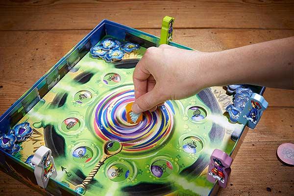 Kinderspiel Wunderkessel - Drehmechanismus - Foto von Haba