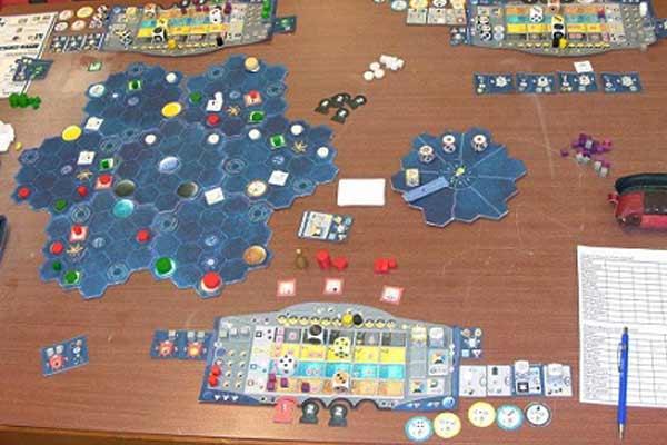 Prototyp-Spielsituation bei Solarius Mission - Foto von Ode und Mike