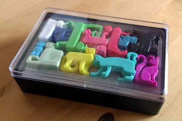 Solo-Puzzlespiel Cat Stax - Verpackung - Foto: Steffi Münzer