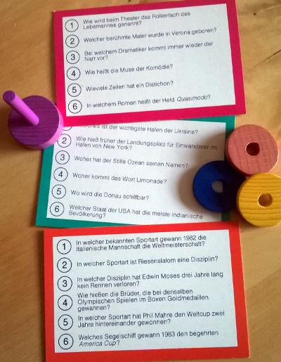 Gesellschaftsspiel Wissen & Würfeln - Fragekarten und Spielmaterial - Foto von Steffi Münzer