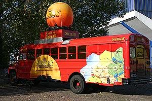 Gehört inzwischen fest dazu: Der Catan-Bus von Reich der Spiele