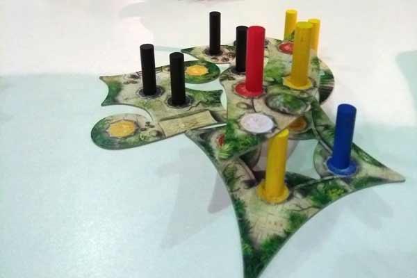 Spielmaterial des Stappelspiels Menara - Foto von Dirk Janßen