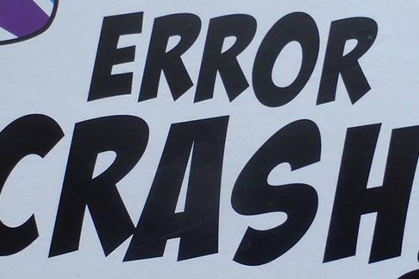 Error Crash - Schriftzug
