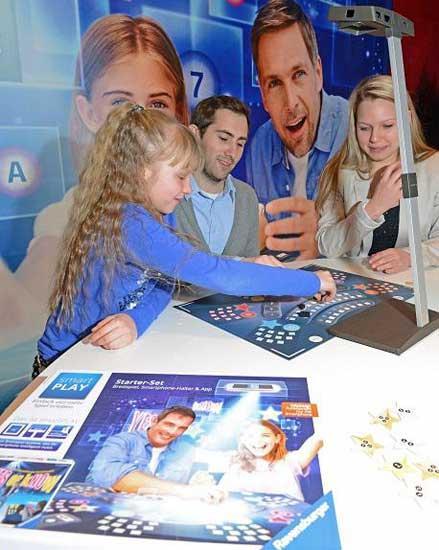 smartPLAY, Promotion auf der Nürnberger Spielwarenmesse 2014, Foto: Verlag