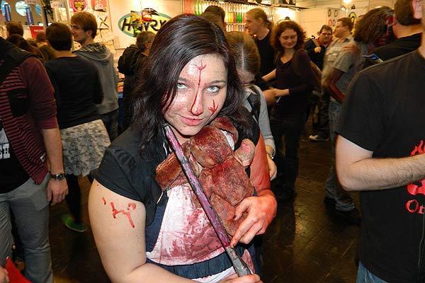 Fotoimpression von der Spiel '13: Zombiefrau