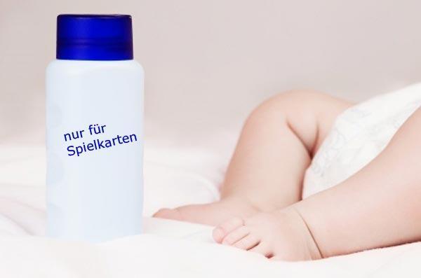 Babypuder schützt Spielkarten - Foto Clipdealer