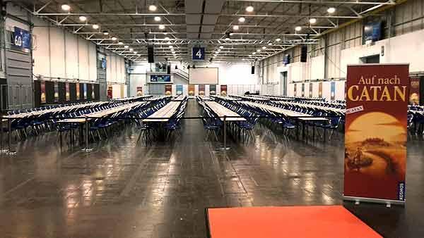 Foto von der Spiel '15: Catan-Weltrekord - leere Tische