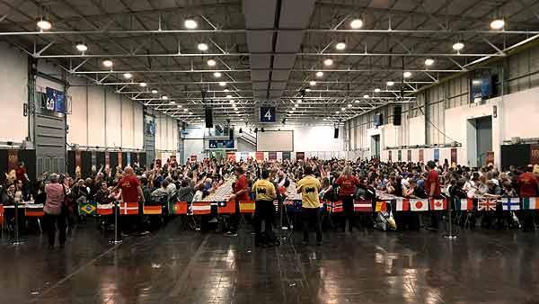 Foto von der Spiel '15: Catan-Weltrekord - volle Tische