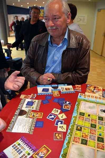 Foto von der Spiel '15: Klaus Teuber präsentiert Tumult Royal