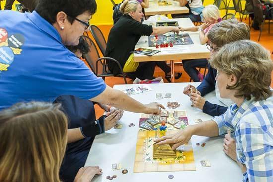 Spiel des Jahres Camel Up auf der Suisse Toy 2014 - Foto von BERNEXPO AG