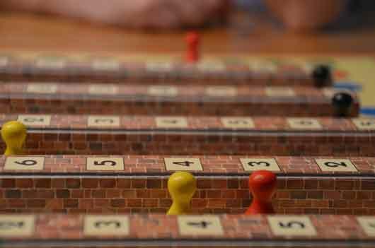 Das Gesellschaftsspiel Mauerhüpfer von Schmidt Spiele - Foto Axel Bungart