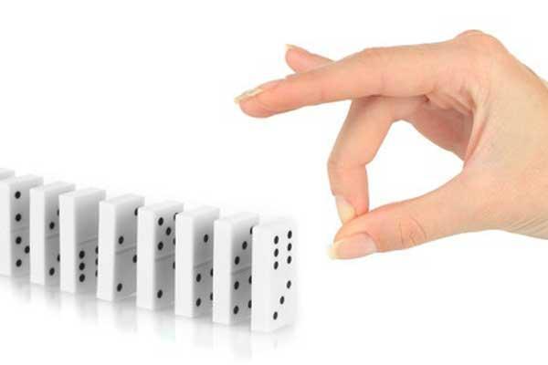Domino - Dominosteine - klassisches Spielzeug - Foto von Clipdealer
