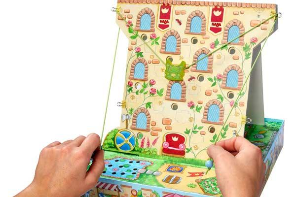 Kinderspiel Burg Kletterfrosch Spielaufbau - Foto von Haba