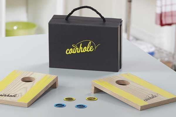 Geschicklichkeitsspiel Coinhole - Foto von Hasbro