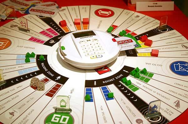 Monopoly Revolution von Reich der Spiele