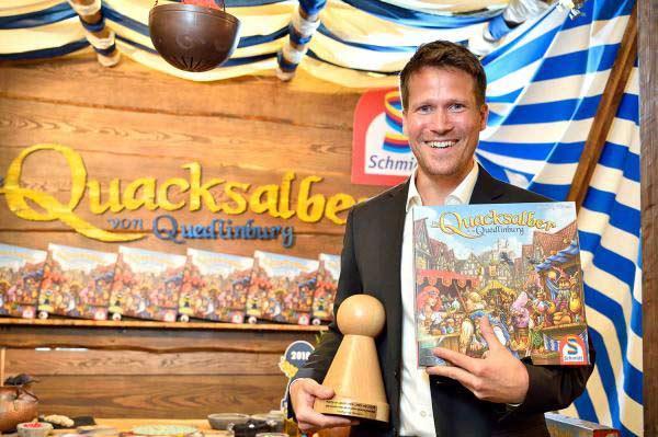 Wolfgang Warsch mit Quacksalber - Copyright: Spiel des Jahres