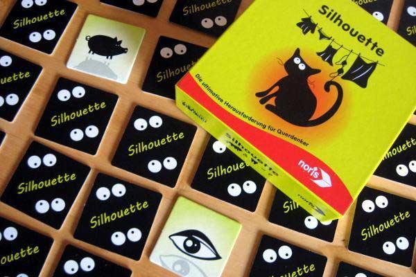 Kartenspiel Silhouette - Foto: Stefanie Münzer