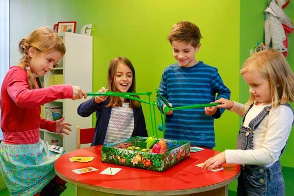 Spielszene Kinderspiel Auf Sie mit Gebrumm - Foto von Ravensburger