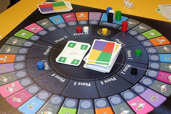 Phase 10 - Das Brettspiel von Reich der Spiele