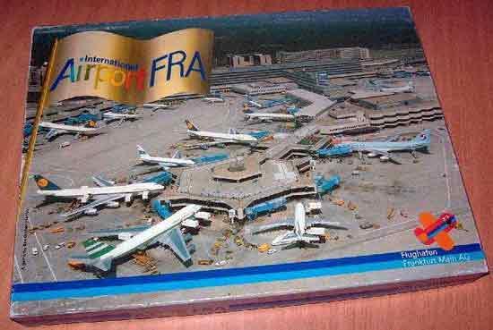 Spielmaterial International Airport FRA - Foto Roland G. Hülsmann