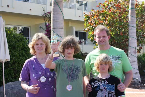 Familie Herrmann ist Spiele-Champion 2009  von Amigo Spiele