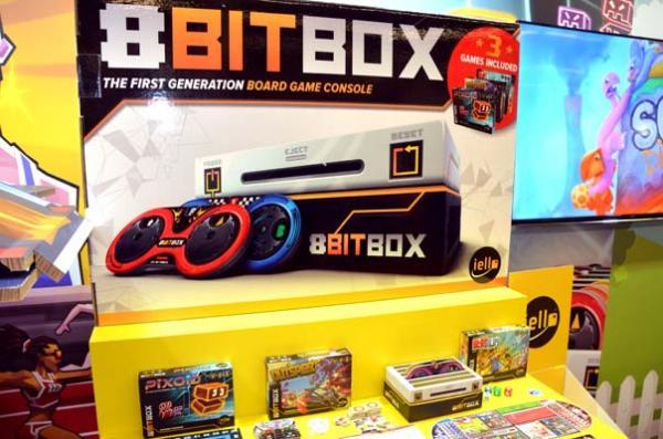 Foto von der Spiel '18: 8 BitBox