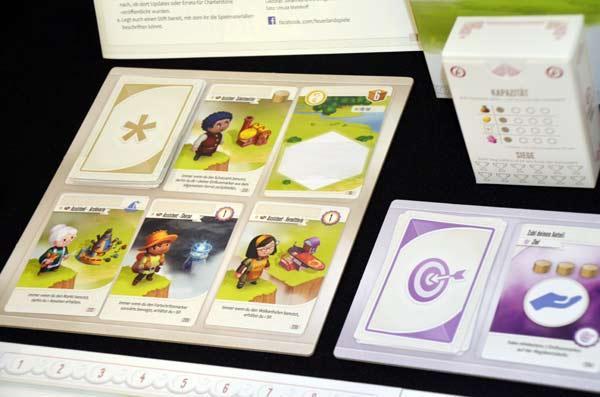 Foto von der Spiel '17: Charterstone Spielmaterial