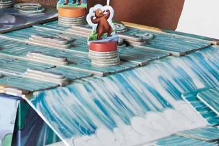 Bär am Wasserfall bei Grizzly - Ausschnitt - Foto von Amigo Spiele