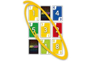 Kartenspiel HiLo - drei gleiche Karten - Foto von Schmidt Spiele