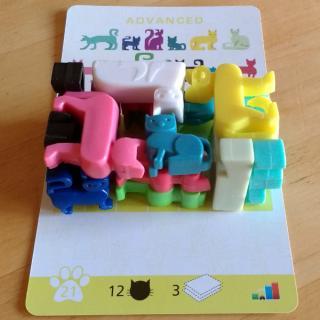 Solo-Puzzlespiel Cat Stax Katzenstapel - Foto: Steffi Münzer