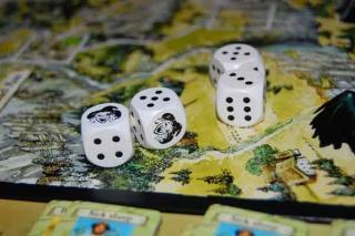 Die Hexen - Würfel im Scheibenwelt-Spiel von Asmodee - Foto von Hendrik Breuer