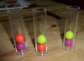 Dr. Eureka - Spielmaterial: Reagenzgläser - Foto von Jörn Frenzel