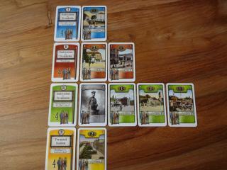 Spielszene Auslage der Endhaltestellen in Trambahn - Foto aus dem Reich der  Spiele