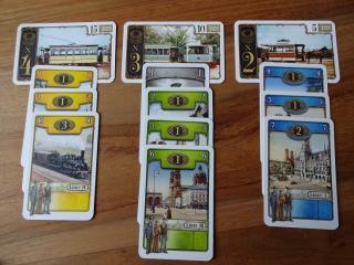 Spielszene Spielerauslage in Trambahn - Foto aus dem Reich der Spiele